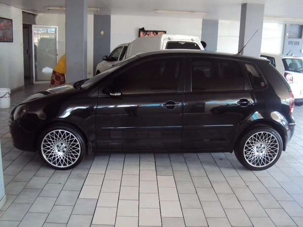 2009 VW Polo 1.4 Trendline for sell R80000 Bruma - image 1