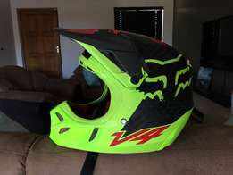 Fox V4 & Leatt 5.5 neck brace