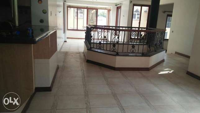 4bedroom townhouse to let Spring Valley - image 4
