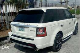 Very neat and Sound registered 2011 range rover Sport autobiography