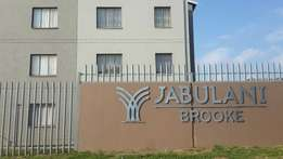 R2000 2 Bedroom Flat in Jabulani Brooke Soweto