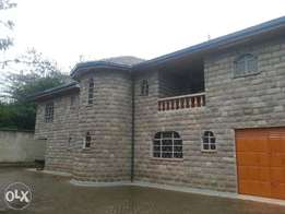 5 bedroomed massionate for sale in ridgeways at 80m