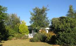 Walkerville area--country cottage to let
