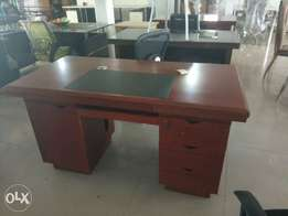 1.4m table direct from Malaysia