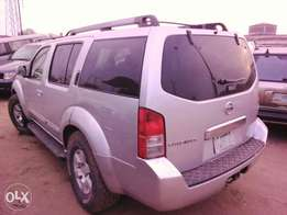 Nissan Pathfinder 2004 Model Sliver
