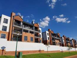 1 Bedroom Luxury Apartment - Pretoria East