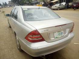 Super clean Nigerian used Mercedes Benz C320 with good condition for s