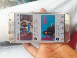 Samsung galaxy s6 very neat and perfect with 32gb rom and 4gb ram