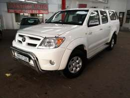 2007 Toyota Hilux 2.7VVTi D/Cab, ONLY 200000kms, Call Sam