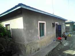 House for sale_ located in mtongwe has ten single rooms