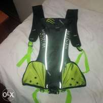 Brand new racing kamel bag with 2 litres water blander
