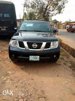 Registered Nissan Pathfinder 2005 with leather interior for sale!