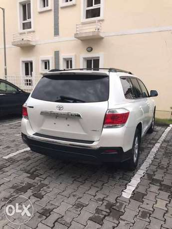 Clean Toyota Highlander 2012 model for sale in Ajah, Lekki Lekki - image 1