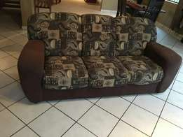 6 Seater 3 piece lounge suite.