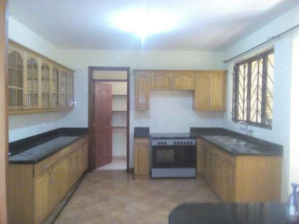 Executve 3 bedroom apartment with Dsq ,and Swimming pool Lavington - image 2
