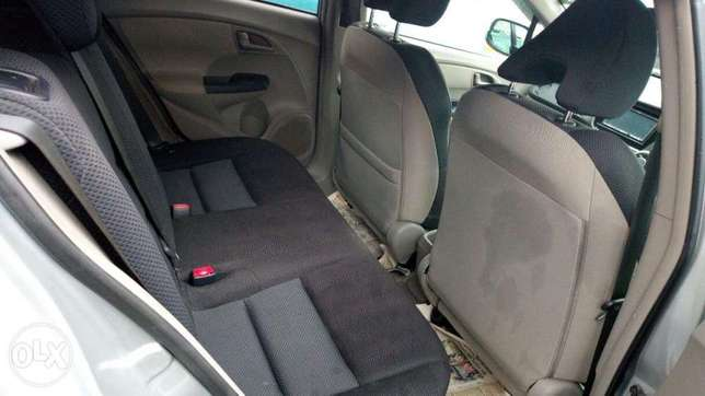 Honda Insight 2010 Amazing Deal Nairobi CBD - image 5