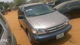 1998 Toyota Sienna up for sale