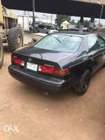 Registered 2001 Toyota Camry drop light