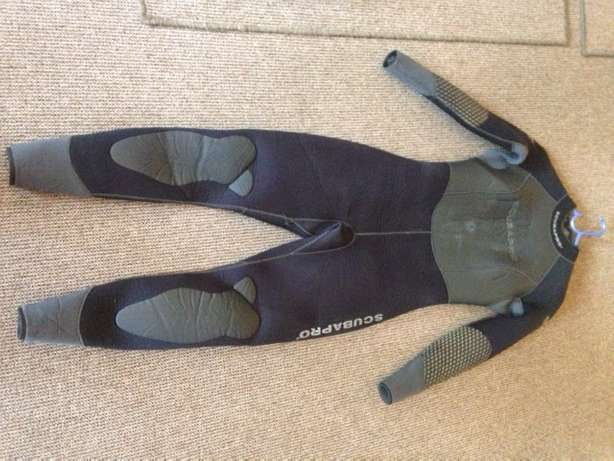 Diving Wetsuits and Free Diving/Spearfishing Fins Germiston - image 4