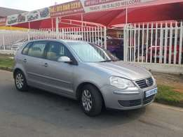 Silver 2009 Volkswagen Polo 1.6 Comfortline Automatic For Sale
