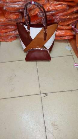 Freshimported varieties of women handbags BuruBuru - image 4