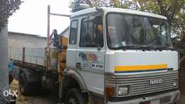 Foreign used iveco tipper 6 wheels with HAIB 3.1 tons