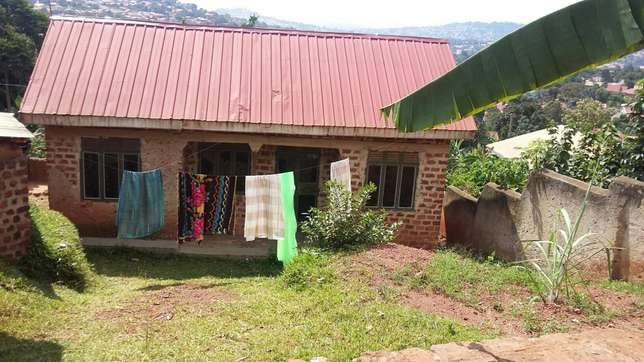 2bedrooms 1bathrooms kitchen plot 60 by 40 40ft House for sale in Kampala - image 3