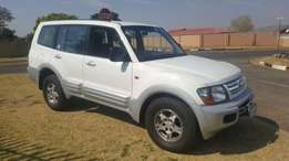 Mitsubishi Pajero 3.2td 5dr 4x4 with Winch