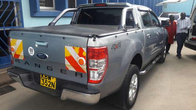 Tonneau cover for your pickup Industrial Area - image 2
