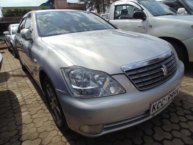 A very clean Toyota Crown on sale Hurlingham - image 5