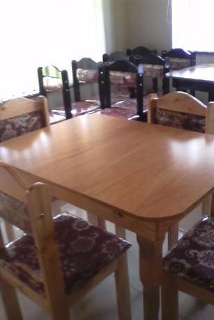 Brand new table and chairs : R 1450 Westville - image 2