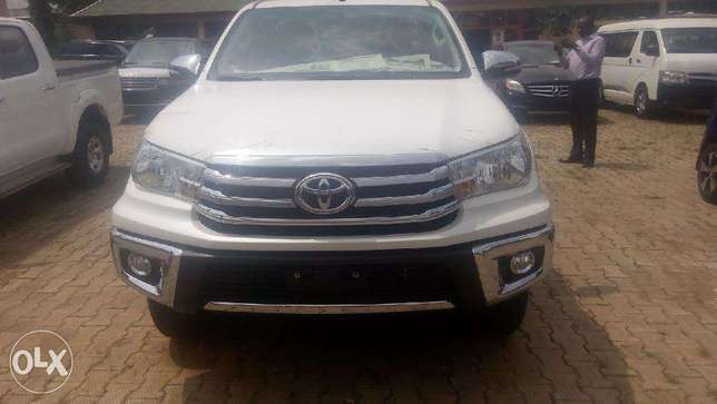 Beand New Toyota Hilux 2017. Its VVTi 2.7 at relatively low price Wuse II - image 2