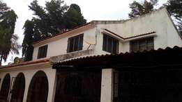Huge four bedtoomed house on a 1/4 acre land,Solomons Gate Nyali
