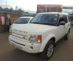 selling a clean used discovery 3 2009 model EX South African