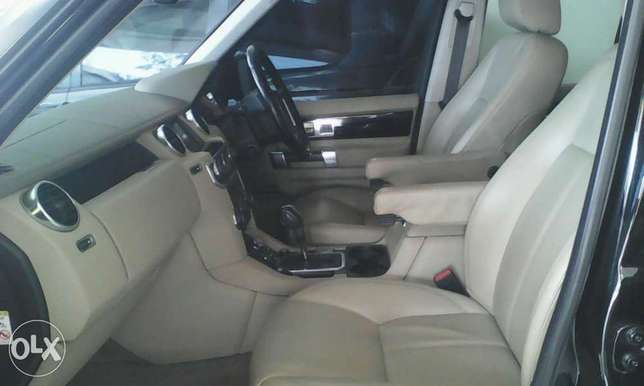Range Rover Discovery 3.0 cc X UK loaded with triple sunroof Mombasa Island - image 3