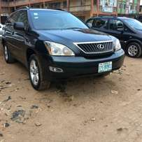 Extremely clean full option 2005 rx330
