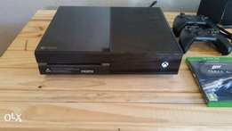 Xbox One + Extra remote + 6 Games +Headset