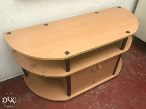 Tv stand Spring Valley - image 1