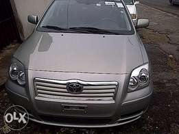 Clean Toyota Avensis 2005