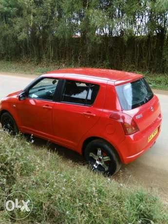A very clean Suzuki Swift 1300cc Manual Donholm - image 3