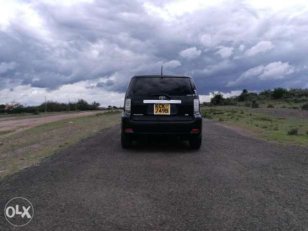 Early Christmas gift, Toyota rumion 2009 ride at your comfort this fes Biashara - image 2