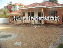 2 bedroom house in Seeta-Namugongo rd at 300k