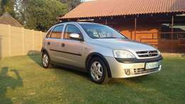 Opel Corsa 1.4i sport with aircon