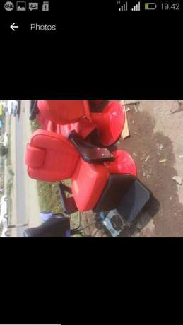 Barber chairs red color Hamza - image 2