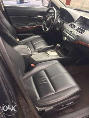 Registered 2010 model Honda crosstour Lagos Mainland - image 2