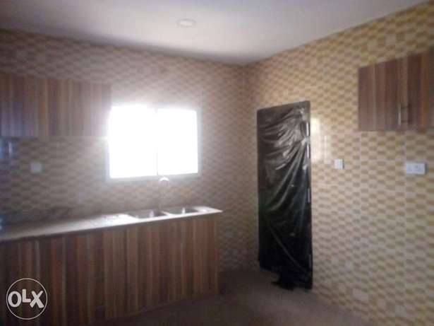 3bedroom apartment located at mabushi by Mobil filling station Wuse 2 - image 6