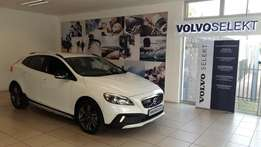 2016 Volvo V40 Cross Country T5