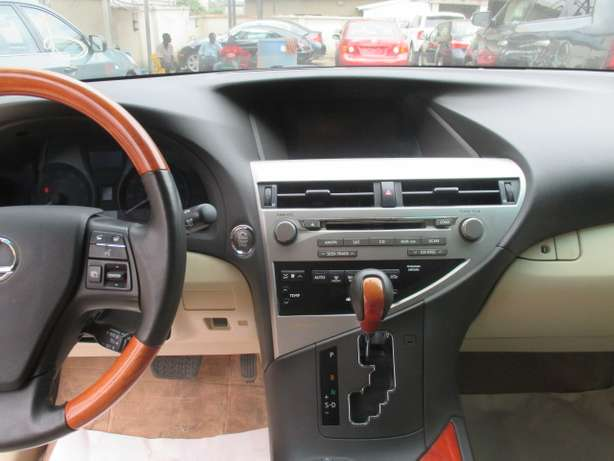Extremely Clean Lexus RX350,011 Tokunbo Lagos Mainland - image 5