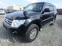 Mitsubishi Pajero Year 2010 Model Automatic 7 seater 4WD Black Color