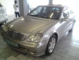 2006 Mercedes Benz C180 ,sunroof ,cash deal negotiable,very clean